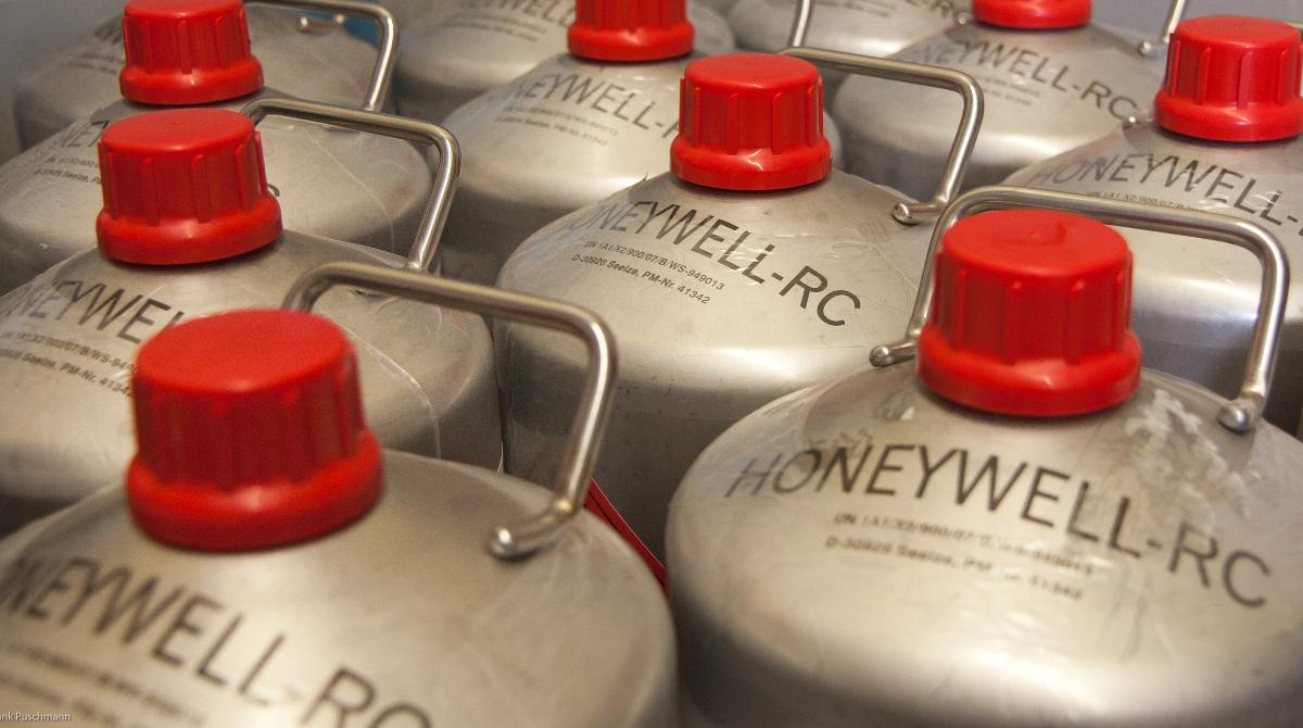 LOLAB-Metallkannen der Firma Honeywell